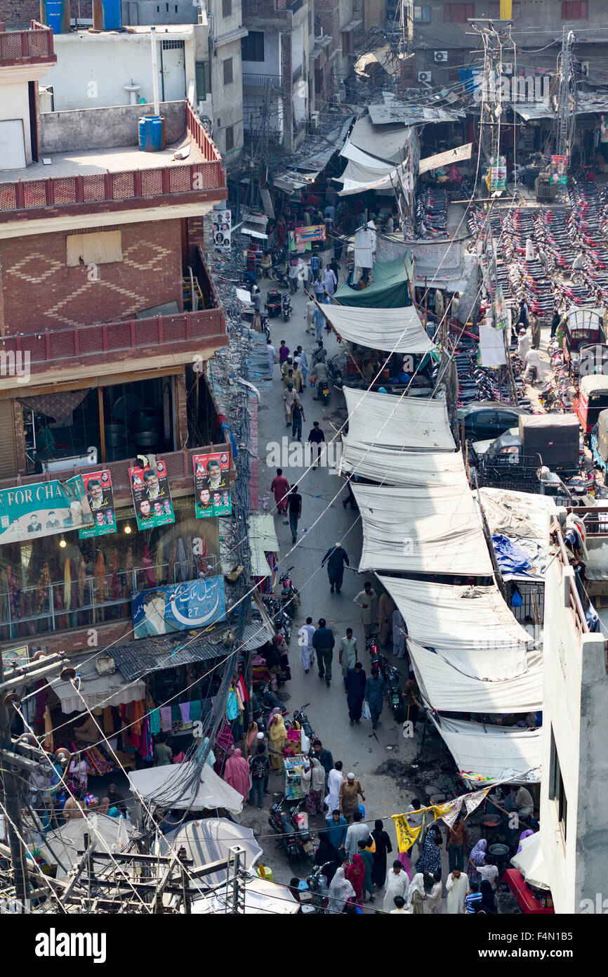 busy street market in Lahore downtown - Stock Image