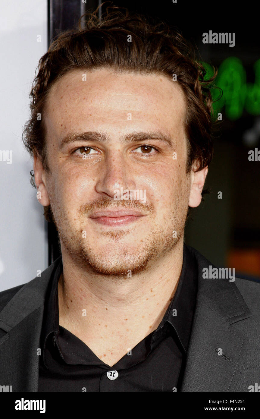 10/04/2008 - Hollywood - Jason Segel arrives to the World Premiere of 'Forgetting Sarah Marshall' held at - Stock Image