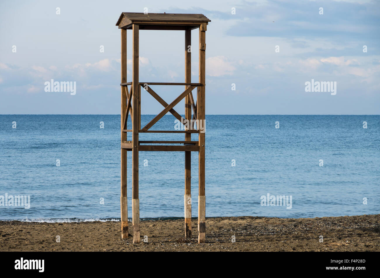 Solitary lifeguard tower during winter on the tuscany coast - Stock Image