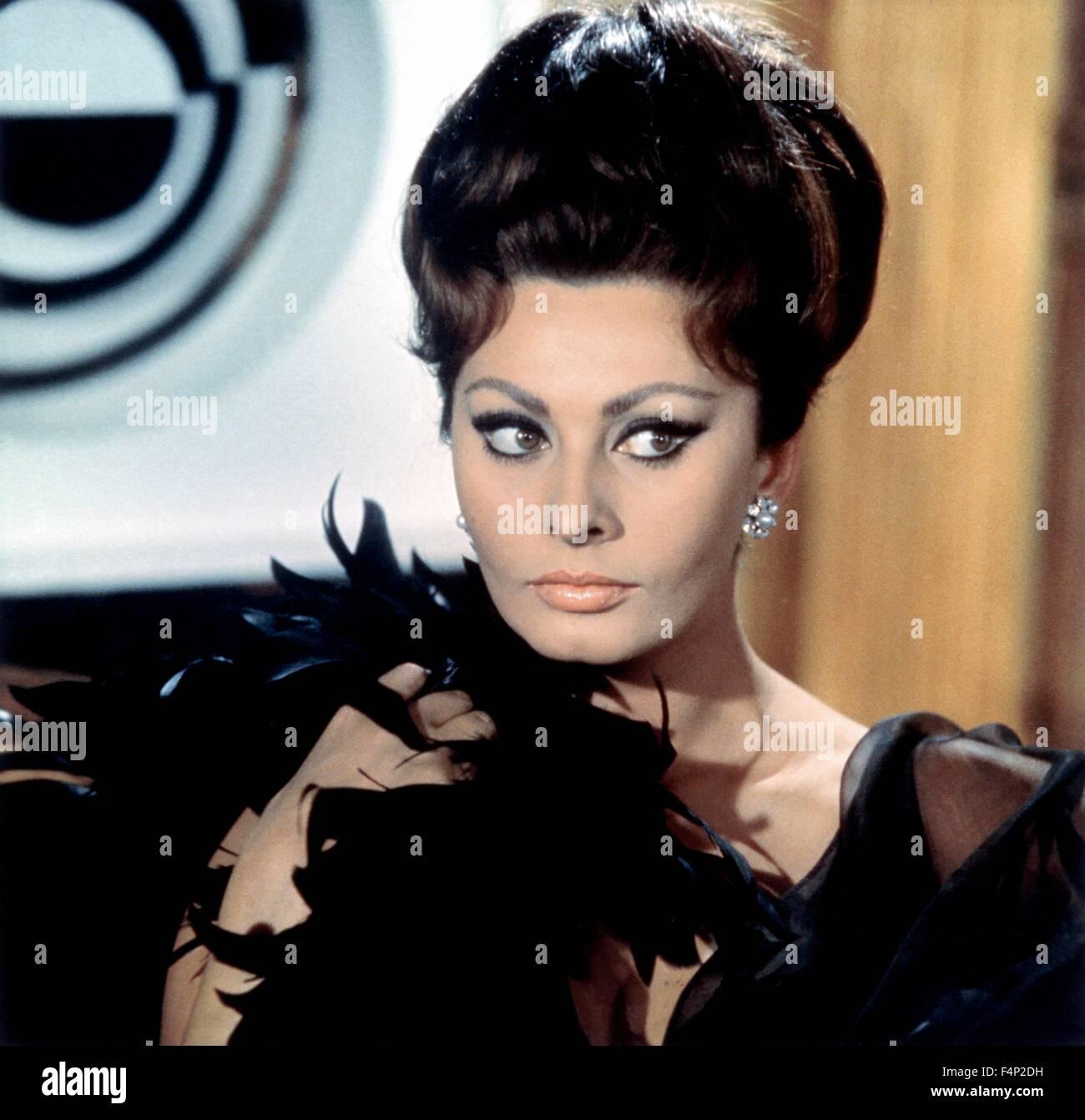 sophia-loren-arabesque-1966-directed-by-