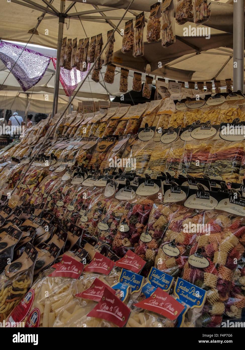 Pasta for sale at Mercato Campo de' Fiori Market in Rome - Stock Image