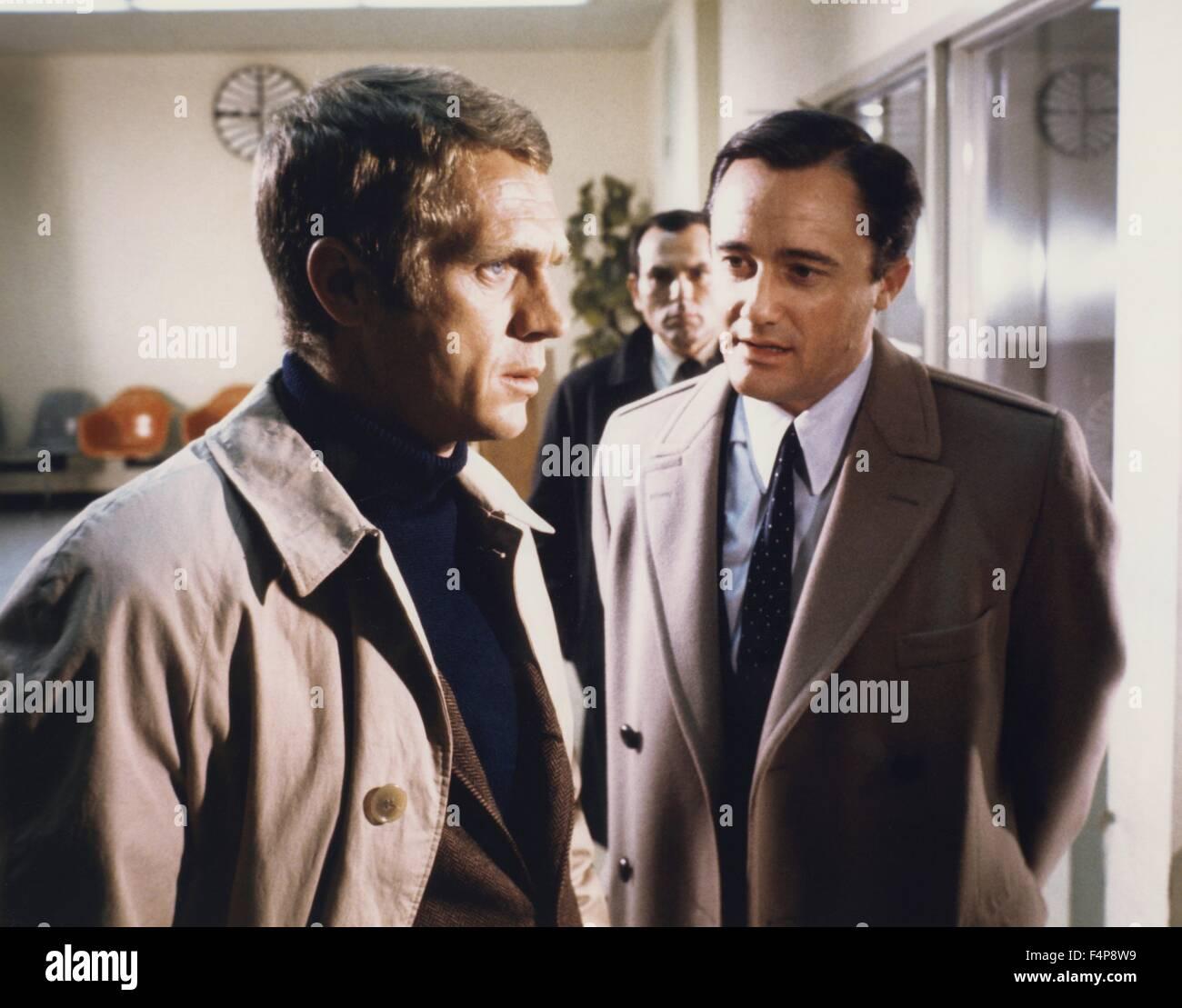Steve McQueen, Robert Vaughn / Bullitt 1968 directed by Peter Yates - Stock Image