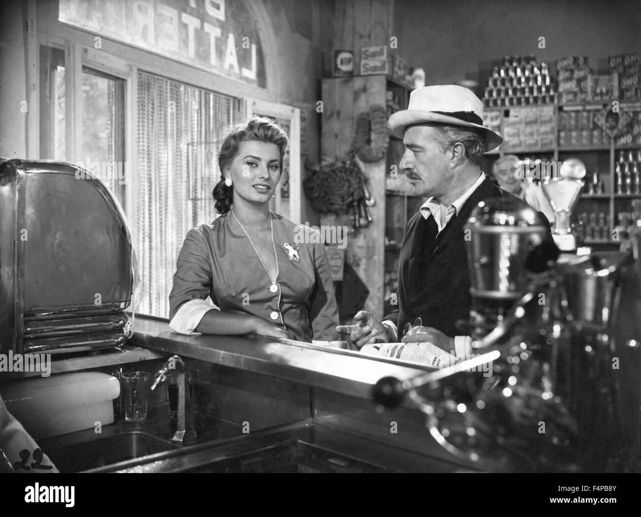 Sophia Loren, Vittorio de Sica / Pain Amour Ainsi Soit-Il 1955 directed by Dino Risi - Stock Image