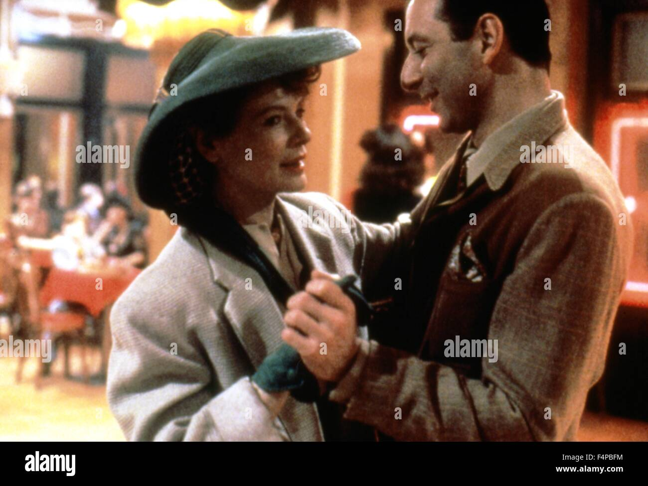 Diane Wiest, Tony Roberts / Radio Days 1987 directed by Woody Allen - Stock Image