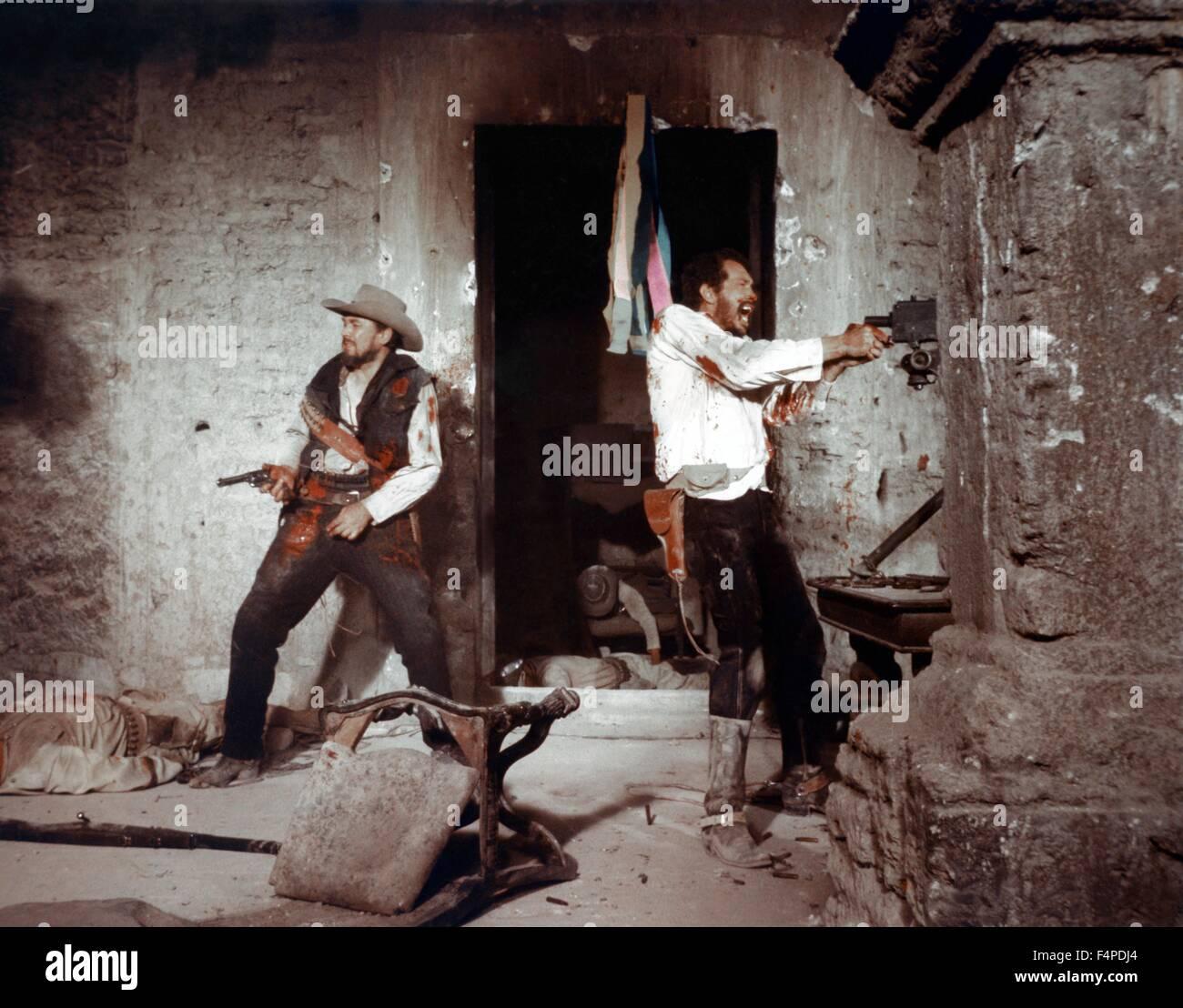 Ben Johnson, Warren Oates / The Wild Bunch 1969 directed by Sam Peckinpah - Stock Image