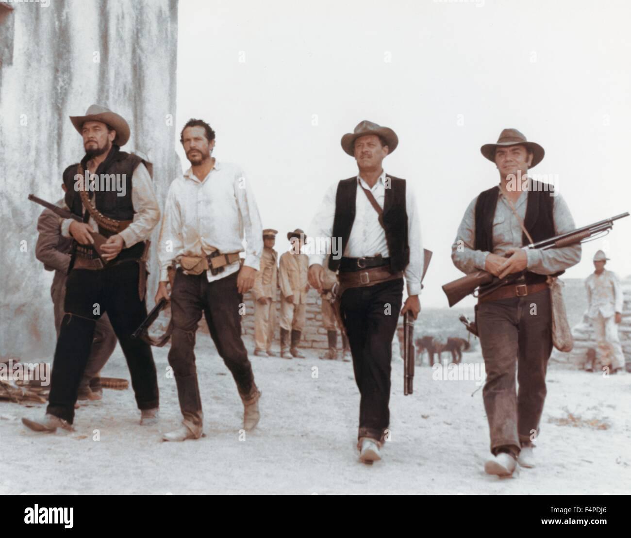 Ben Johnson, Warren Oates, William Holden, Ernest Borgnine / The Wild Bunch 1969 directed by Sam Peckinpah - Stock Image