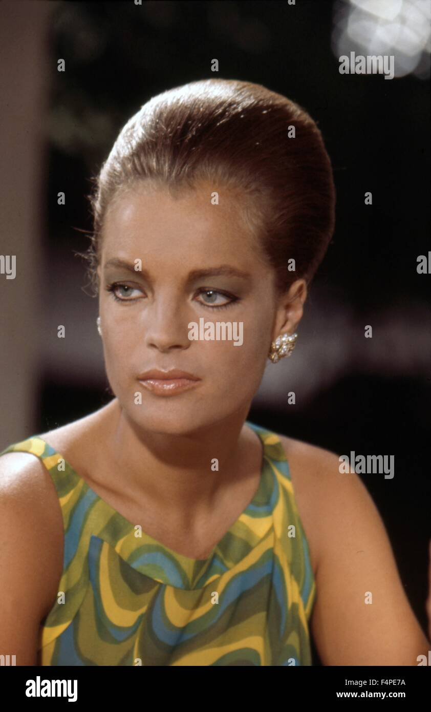romy schneider la piscine 1968 directed by jacques deray stock photo 89004590 alamy. Black Bedroom Furniture Sets. Home Design Ideas