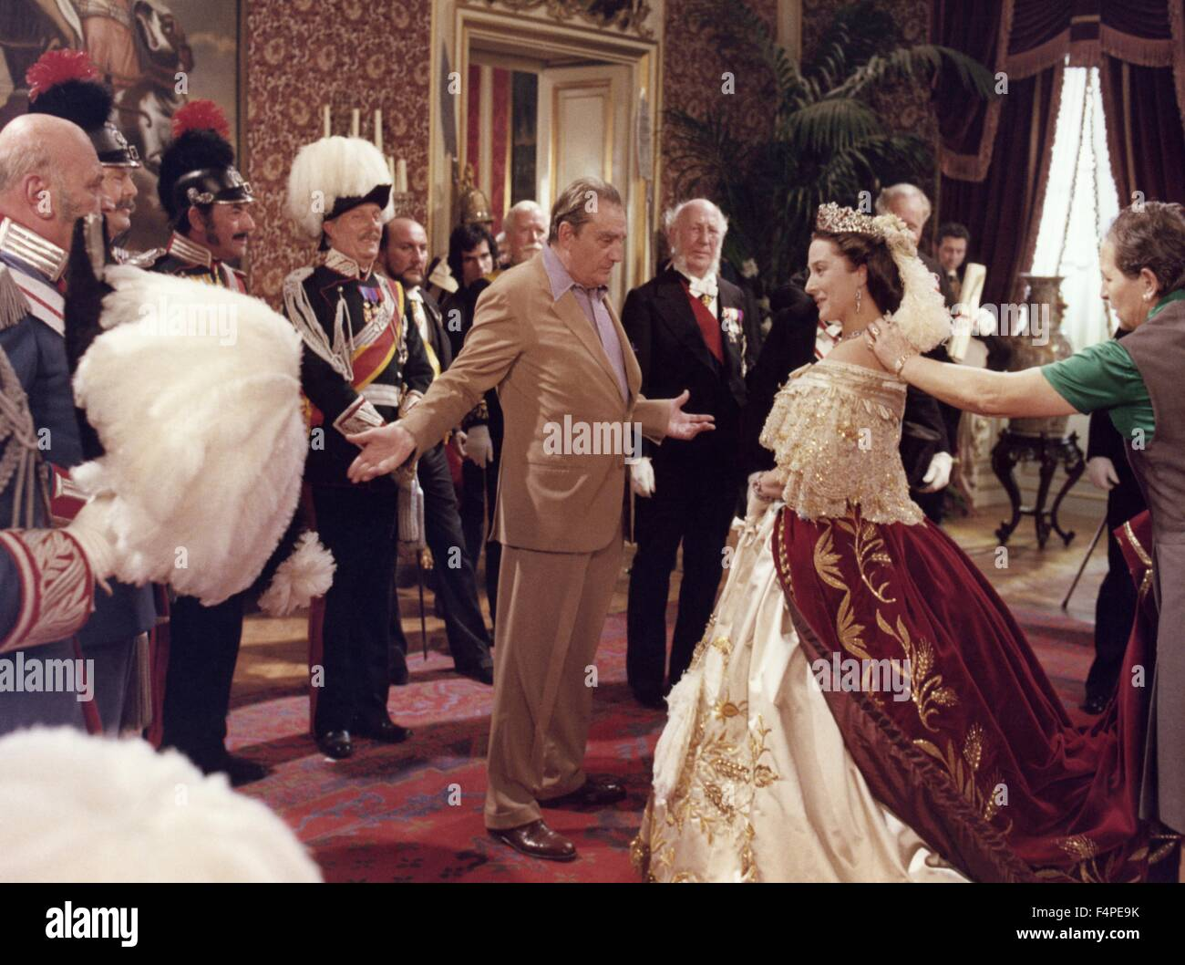 On the set, Luchino Visconti / Ludwig : The Mad King of Bavaria / 1972 directed by Luchino Visconti - Stock Image