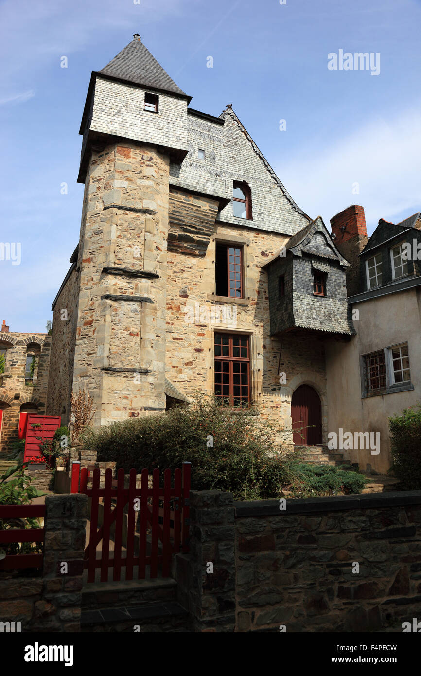France, Brittany, Medieval houses in the old town of Vitre - Stock Image