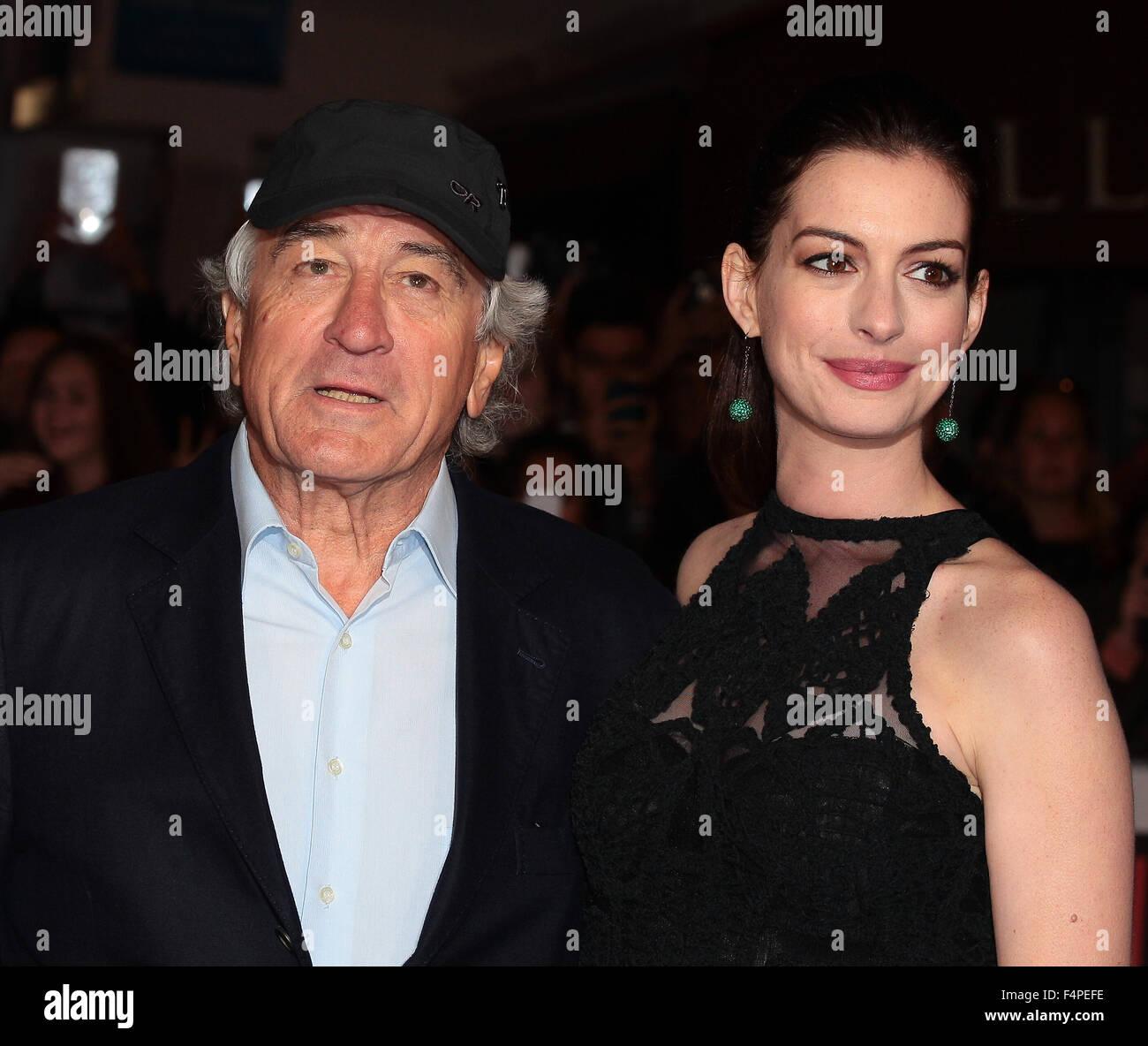 Anne Hathaway Robert De Niro Movie: Anne Hathaway 2015 Stock Photos & Anne Hathaway 2015 Stock