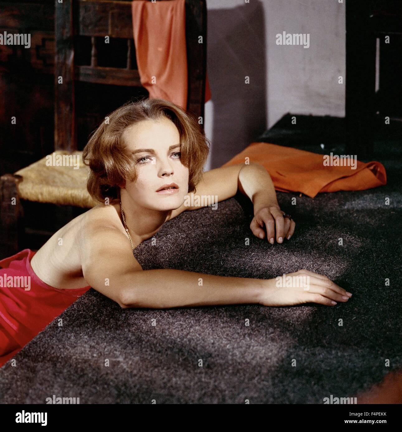 Romy Schneider / 10:30 P.M. Summer / 1966 directed by Jules Dassin - Stock Image