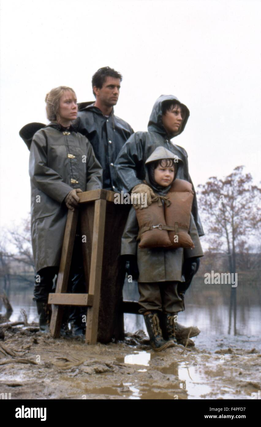 Sissy Spacek, Mel Gibson, Shane Bailey and Becky Jo Lynch  / The river / 1984 directed by Mark Rydell - Stock Image