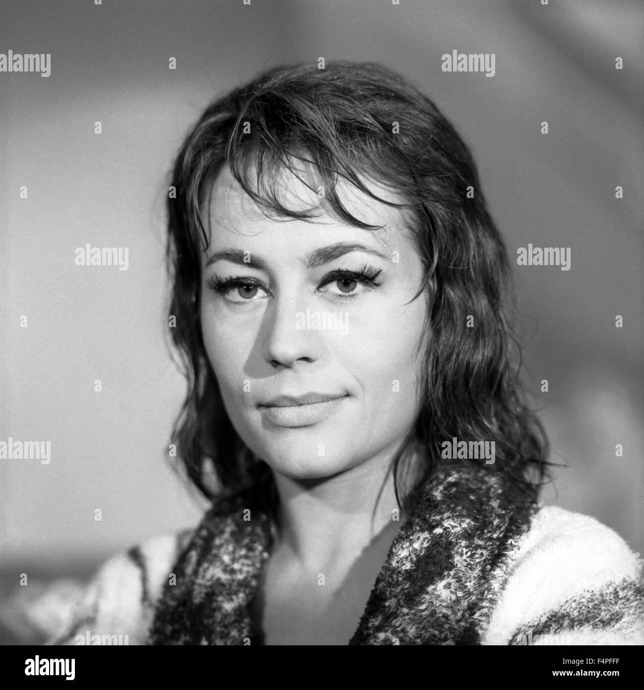Annie Girardot Nude Photos 87
