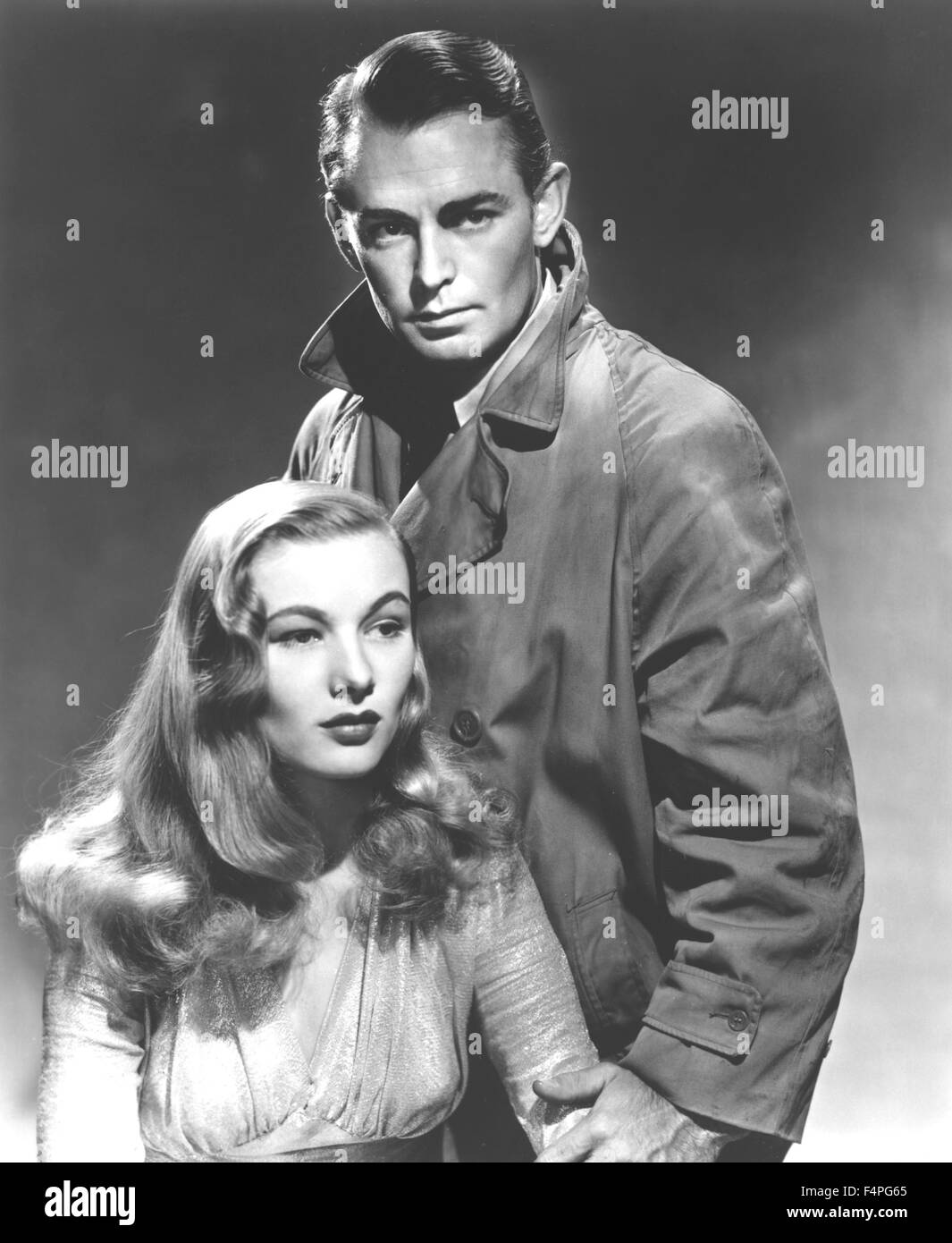 Veronica Lake and Alan Ladd / This Gun for Hire / 1942 directed by Frank Tuttle Stock Photo