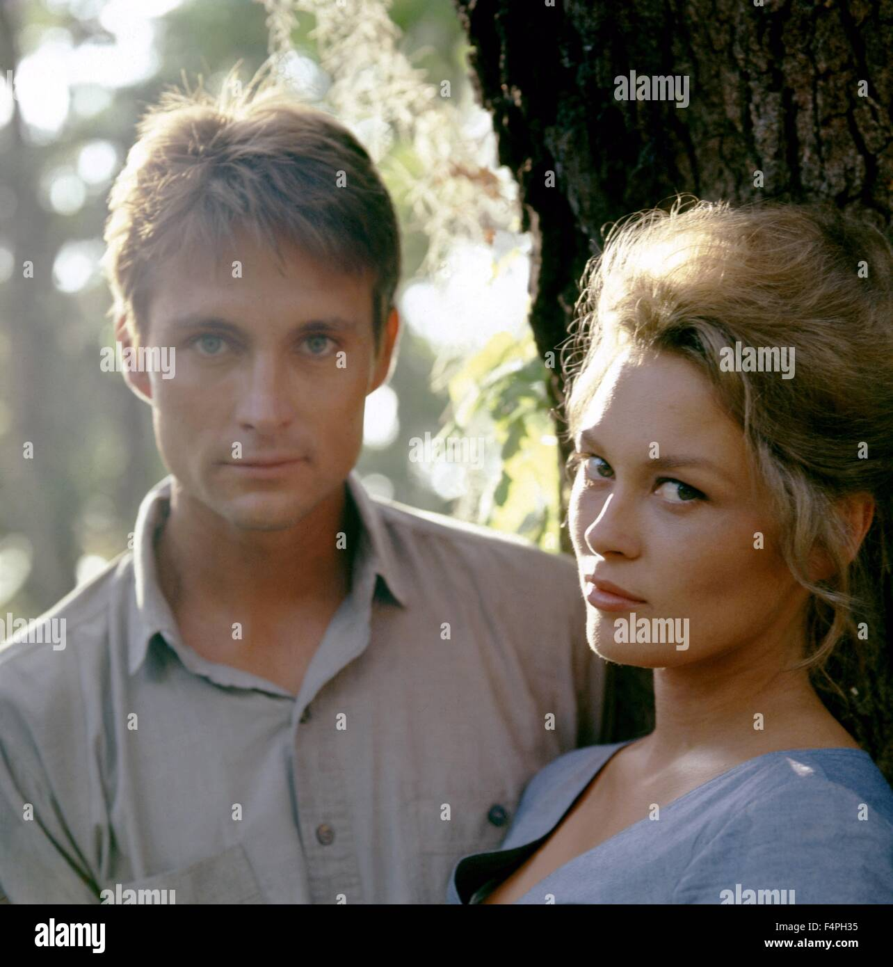 John Phillip Law and Faye Dunaway / Hurry Sundown / 1967 directed by Otto Preminger - Stock Image