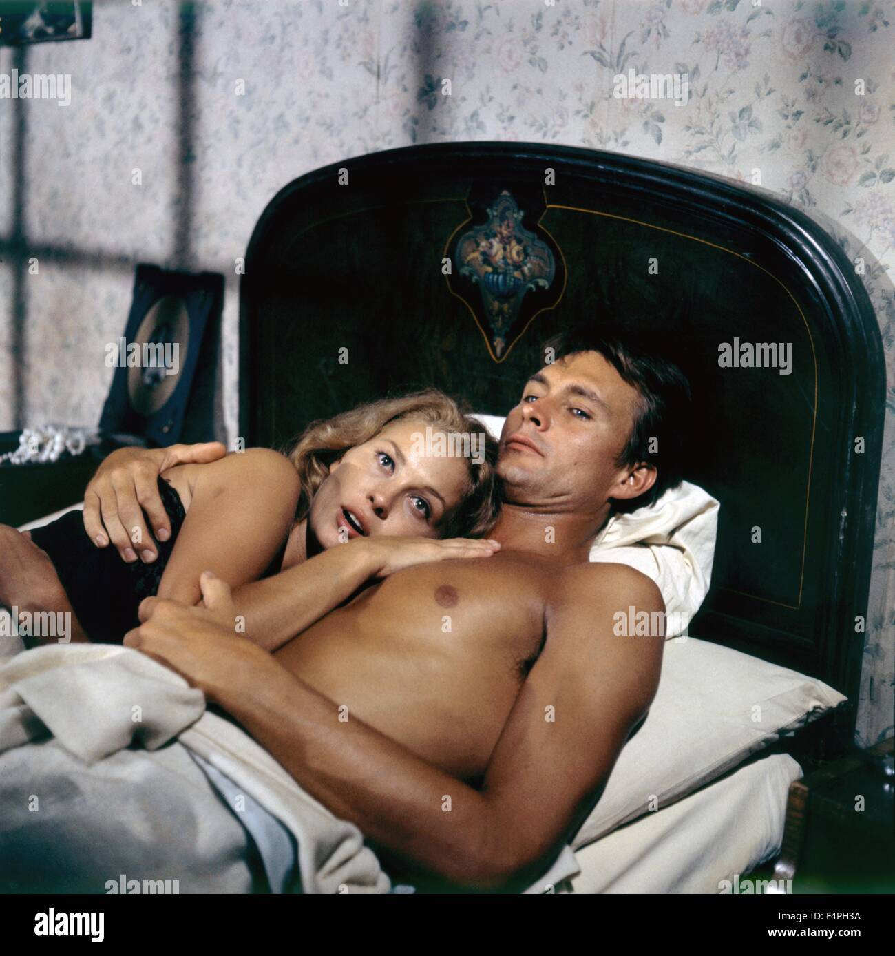Faye Dunaway and John Phillip Law / Hurry Sundown / 1967 directed by Otto Preminger - Stock Image