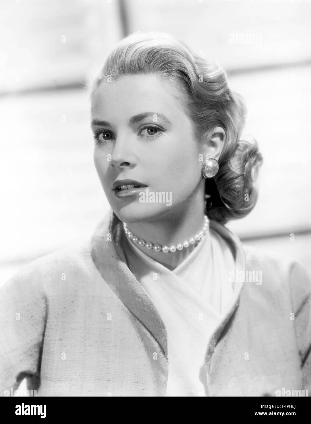 Grace Kelly / Rear Window / 1954 directed by Alfred Hitchcock [Paramount Pictures] Stock Photo