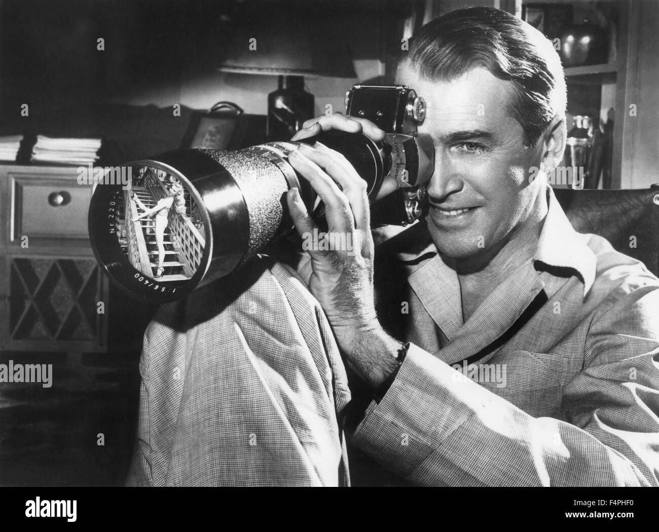 James Stewart / Rear Window / 1954 directed by Alfred Hitchcock [Paramount Pictures] - Stock Image
