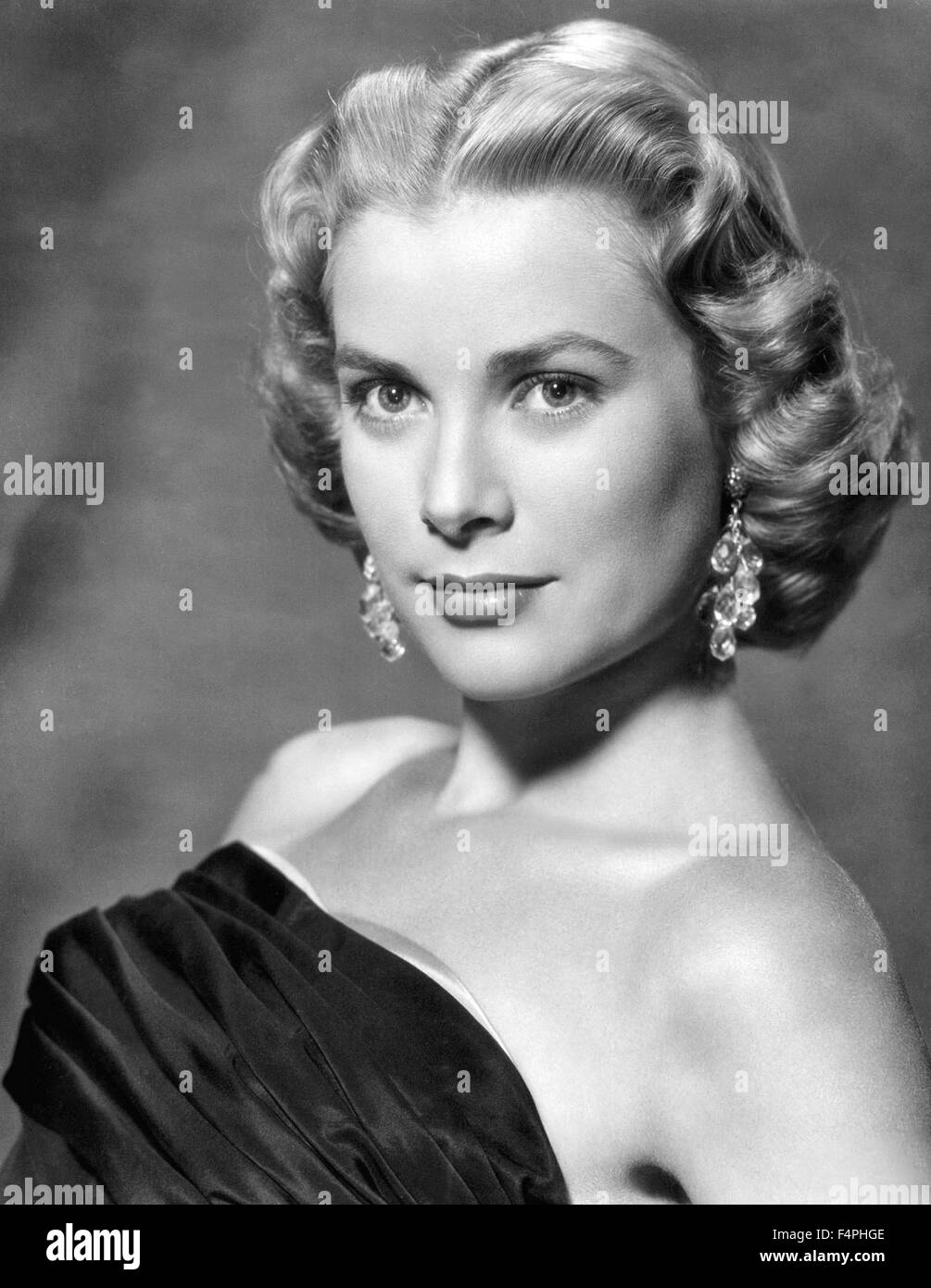 Grace Kelly, 1954   Princess grace kelly, Grace kelly