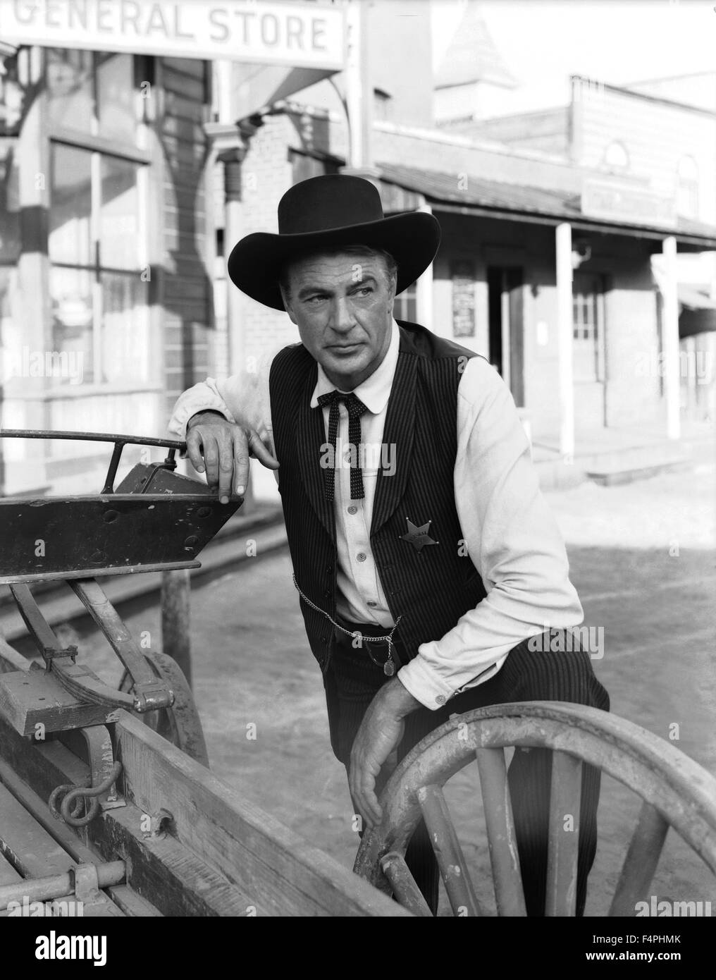 Gary Cooper as sheriff Will Kane / High Noon / 1952 directed by Fred Zinnemann [United Artists] - Stock Image