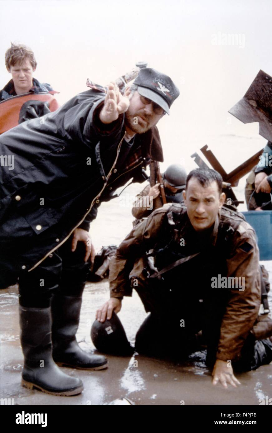 On the set, Steven Spielberg directs Tom Hanks / Saving Private Ryan / 1998 directed by Steven Spielberg [Dreamworks - Stock Image