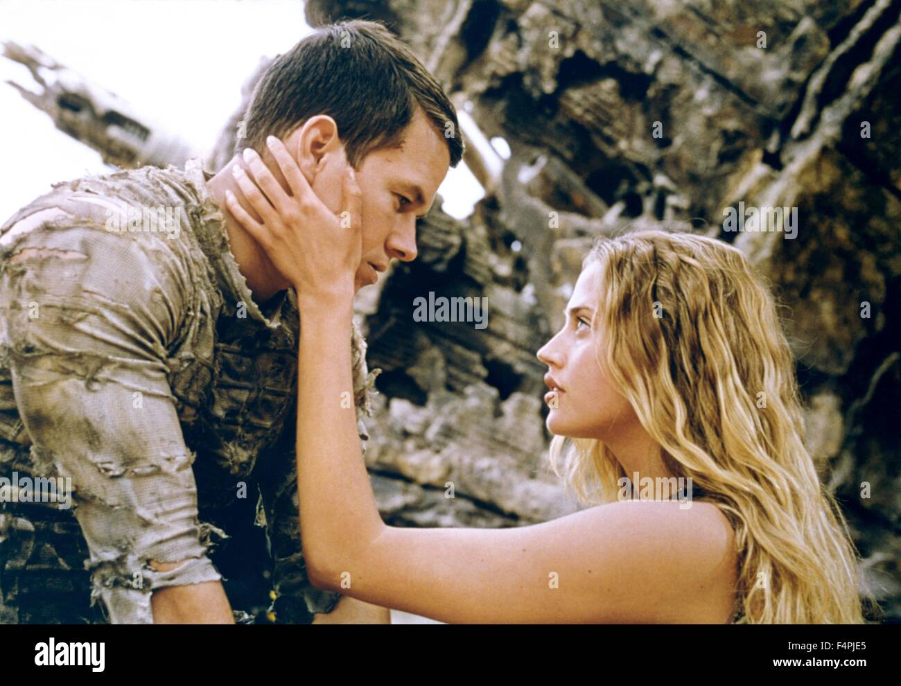 Mark Wahlberg and Estella Warren / Planet of the Apes / 2001 directed by Tim Burton [Twentieth Century Fox Film - Stock Image