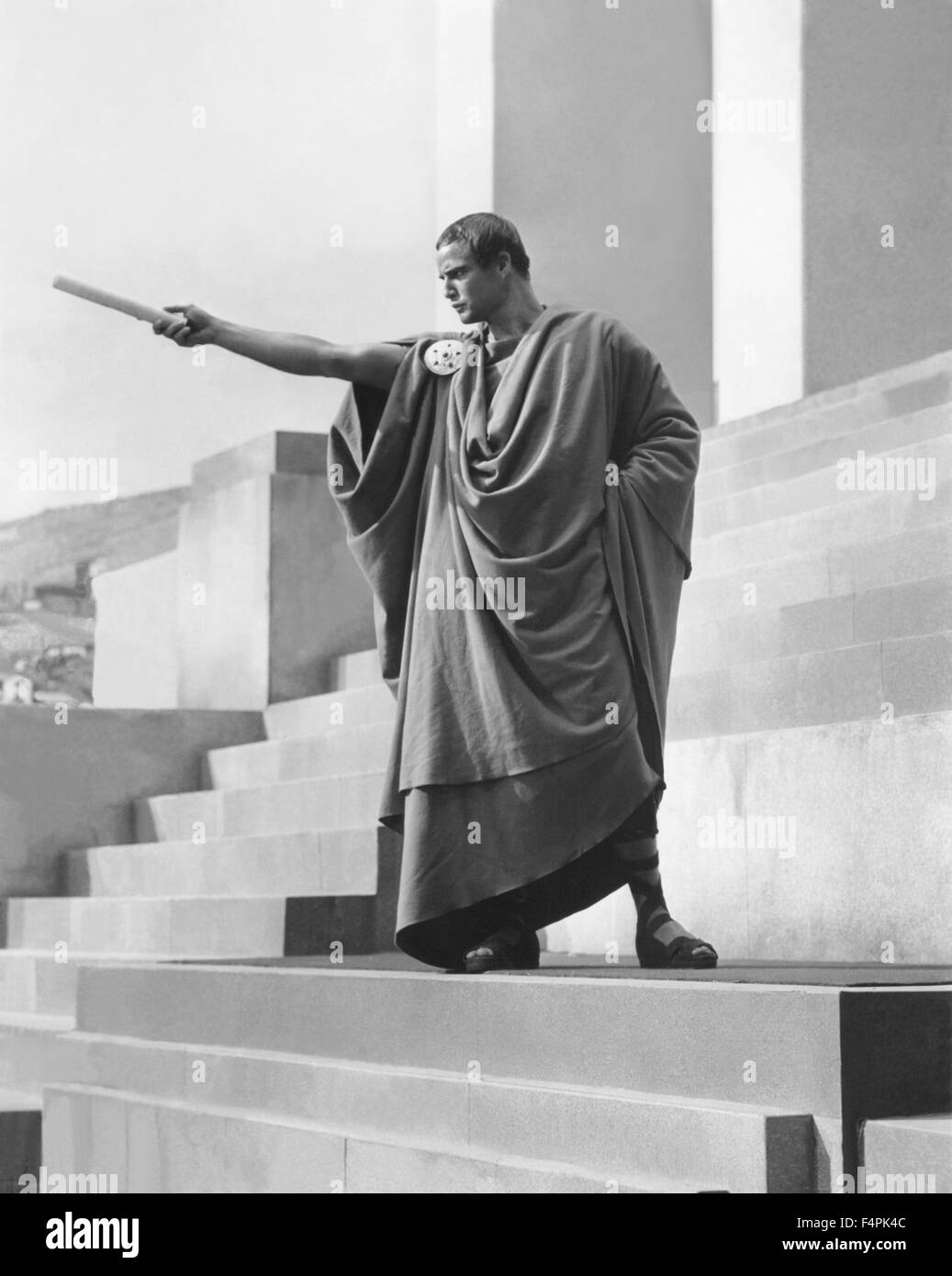 Marlon Brando / Julius Caesar / 1953 directed by Joseph L. Mankiewicz  [Metro-Goldwyn-Mayer Pictures] - Stock Image