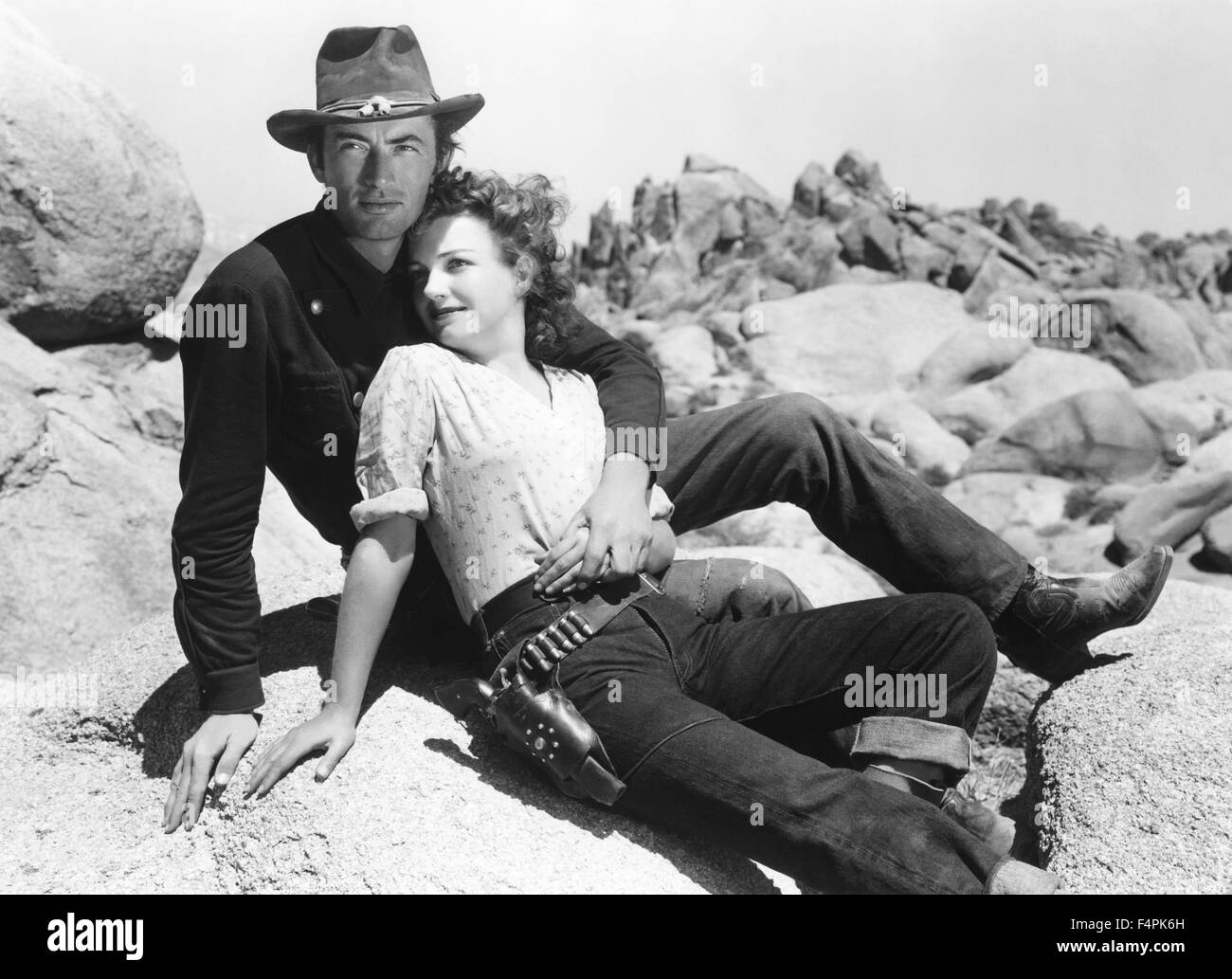 Black Women White Men Love >> Gregory Peck and Anne Baxter / Yellow Sky / 1948 directed by William Stock Photo: 89008489 - Alamy
