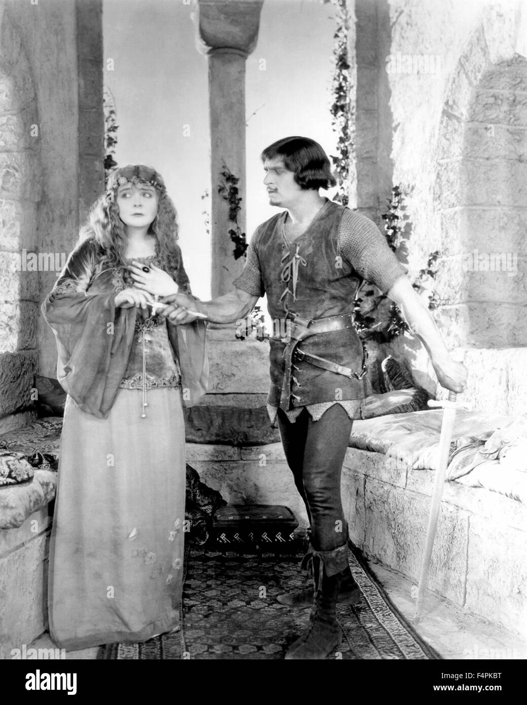 Enid Bennett and Douglas Fairbanks / Robin Hood / 1922 directed by Allan Dwan [United Artists] - Stock Image