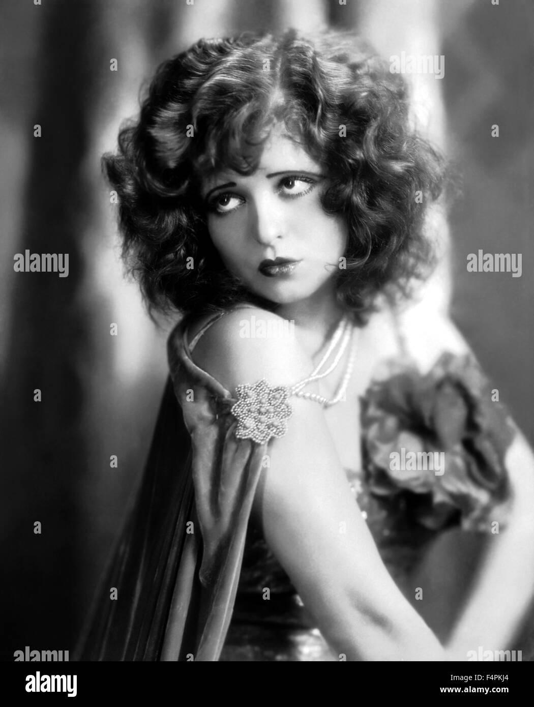 Clara Bow Nude Photos 74