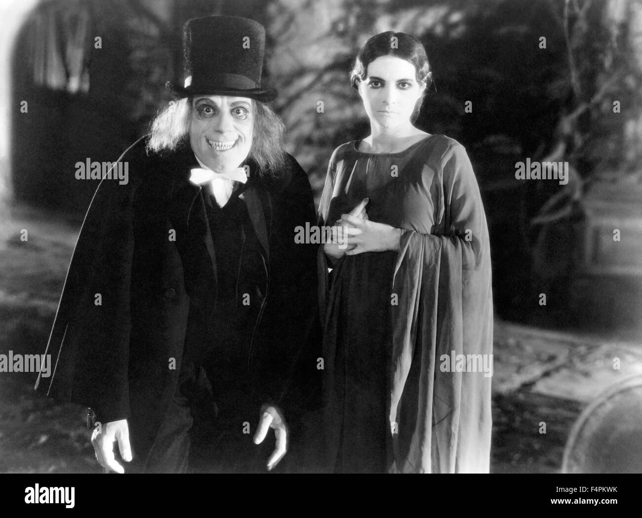 Lon Chaney and Marceline Day / London After Midnight / 1927 directed by [Metro-Goldwyn-Mayer Pictures] - Stock Image