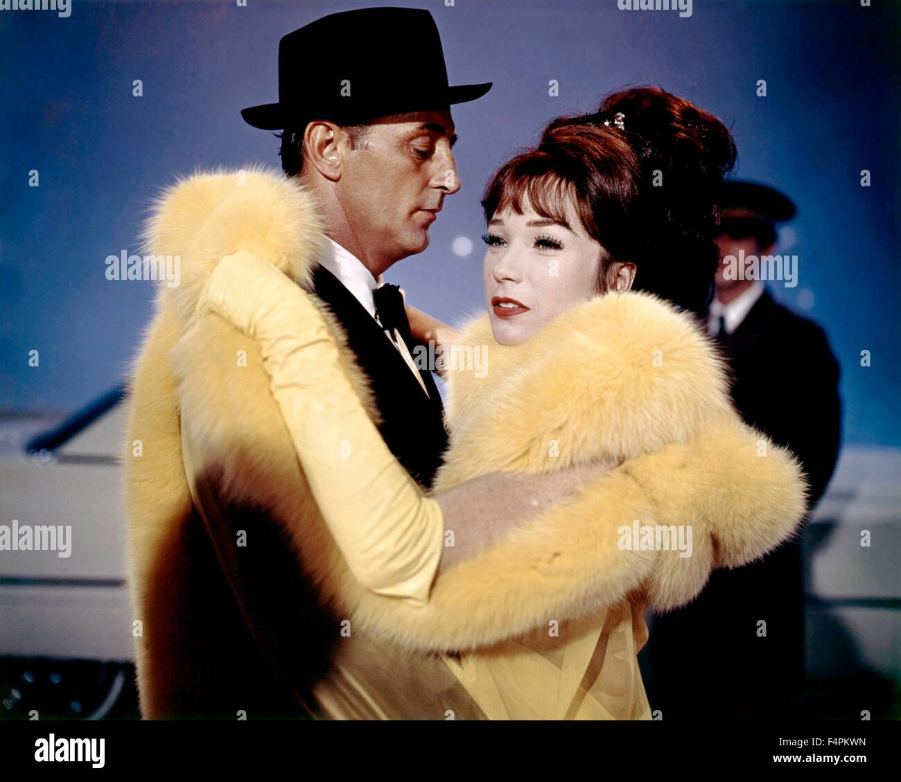 Robert Mitchum and Shirley MacLaine / What a Way to Go ... Shirley Maclaine What A Way To Go Images