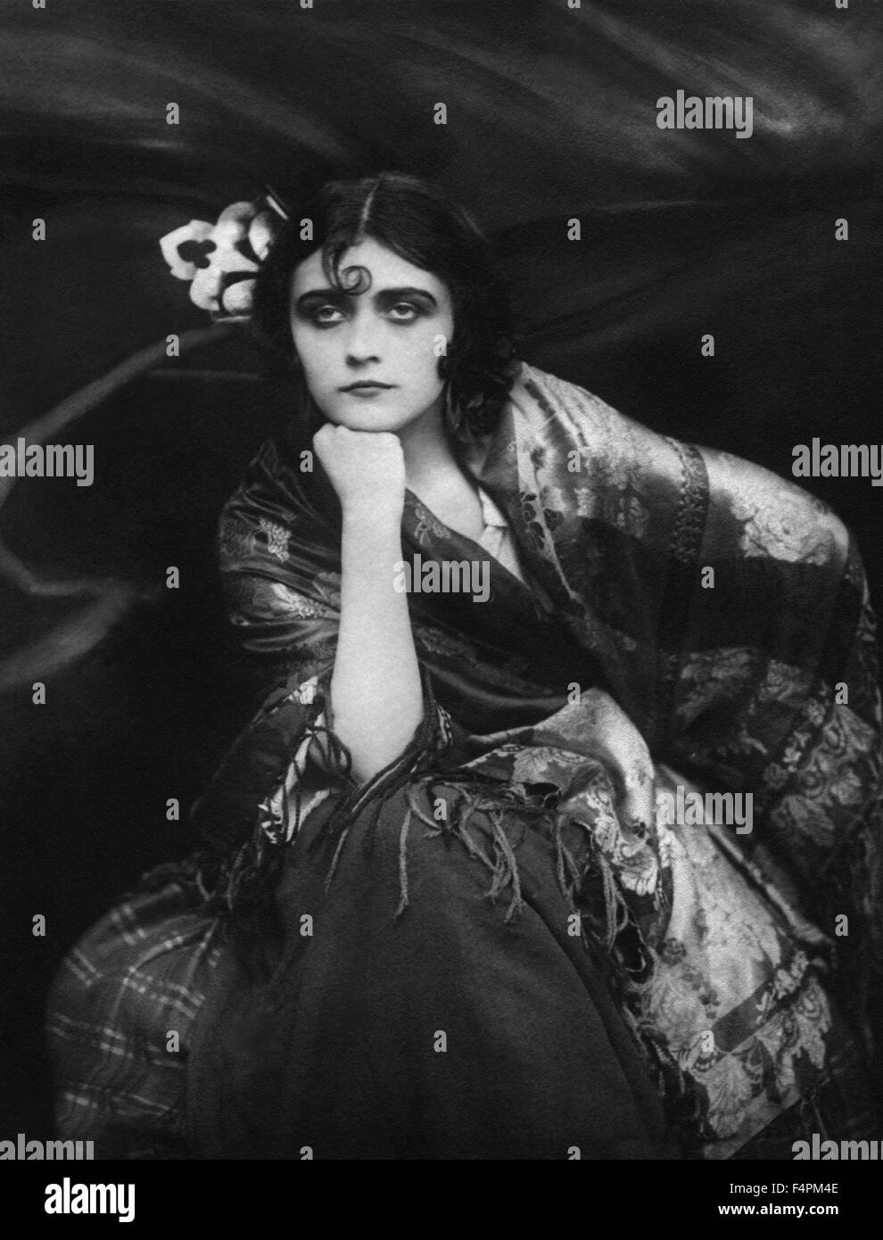 Pola Negri / Carmen / 1918 directed by Ernst Lubitsch [Associated-First National Pictur] - Stock Image