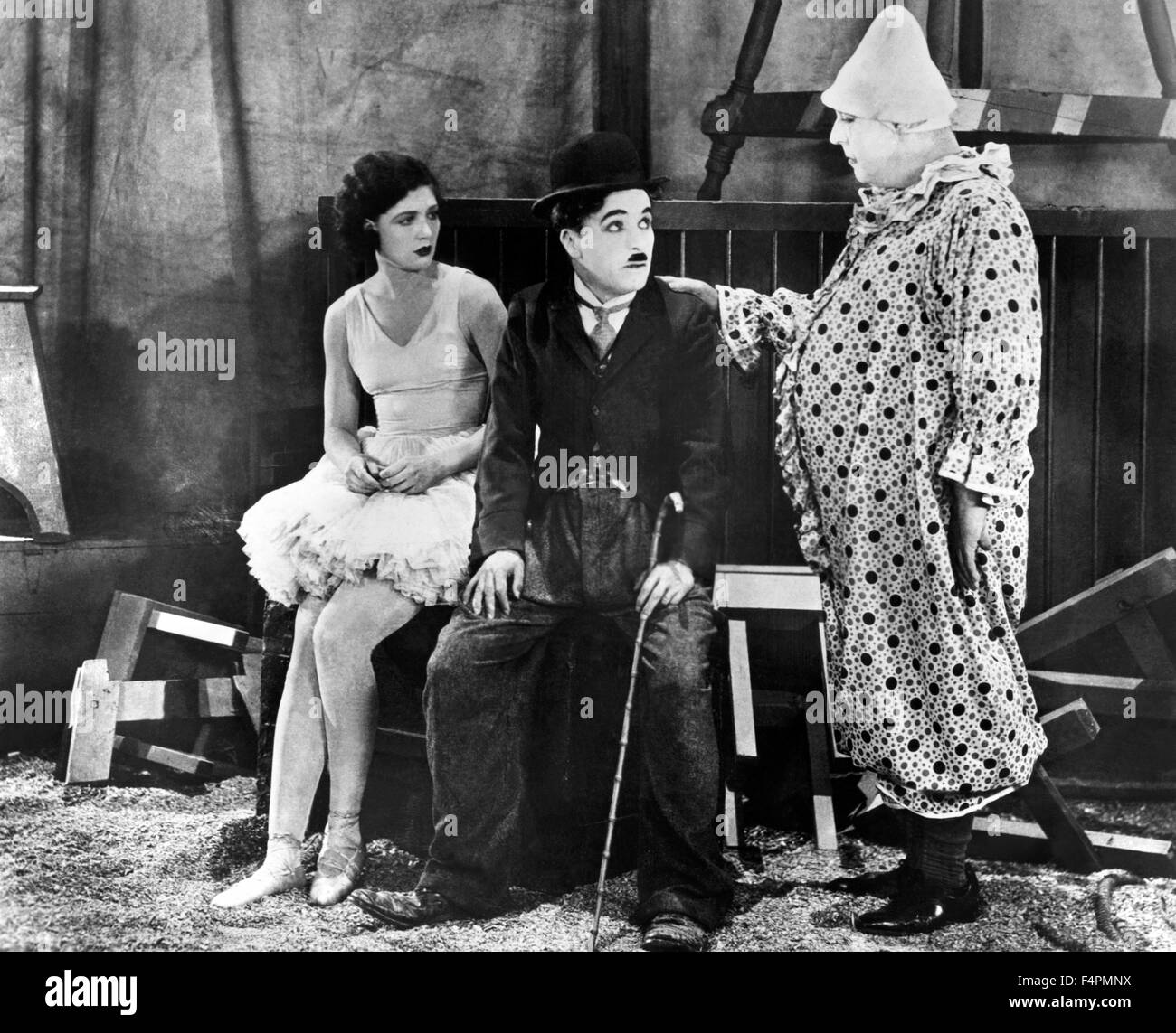 Merna Kennedy, Charles Chaplin and Harry Crocker / The Circus / 1928 directed by Charles Chaplin [United Artists] - Stock Image