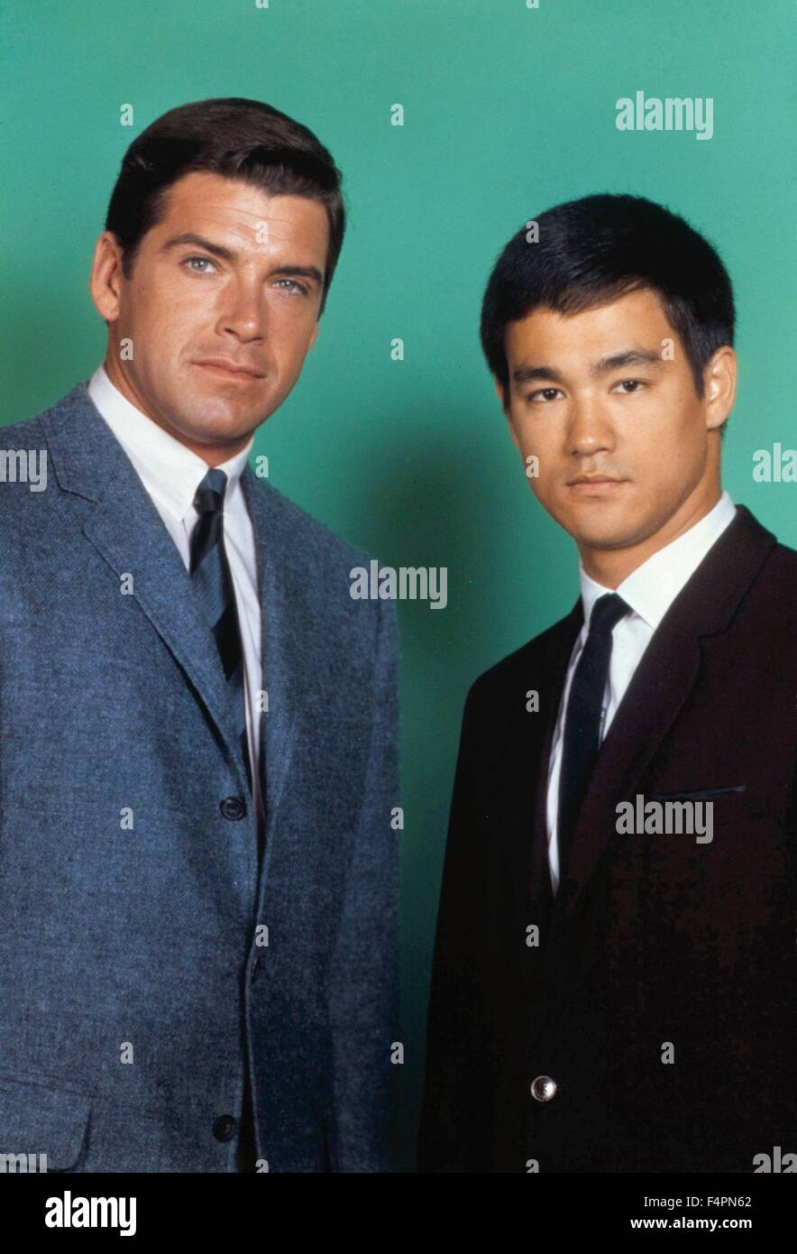 Van Williams and Bruce Lee / The Green Hornet (TV Series) / 1966-1967 created by  George W. Trendle [Twentieth Century Stock Photo