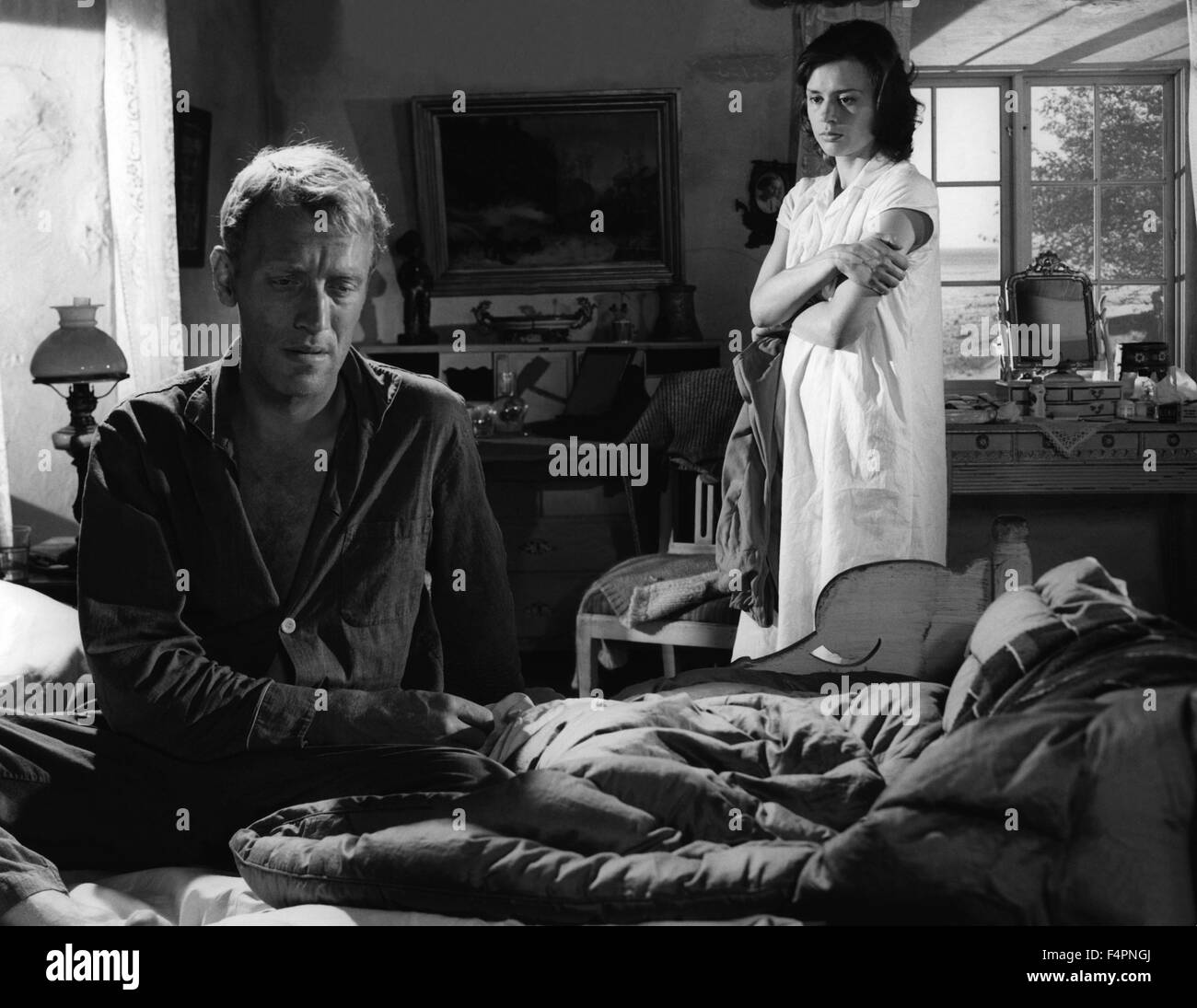 Max von Sydow and Harriet Andersson / Through a Glass Darkly / 1961 directed by Ingmar Bergman Stock Photo