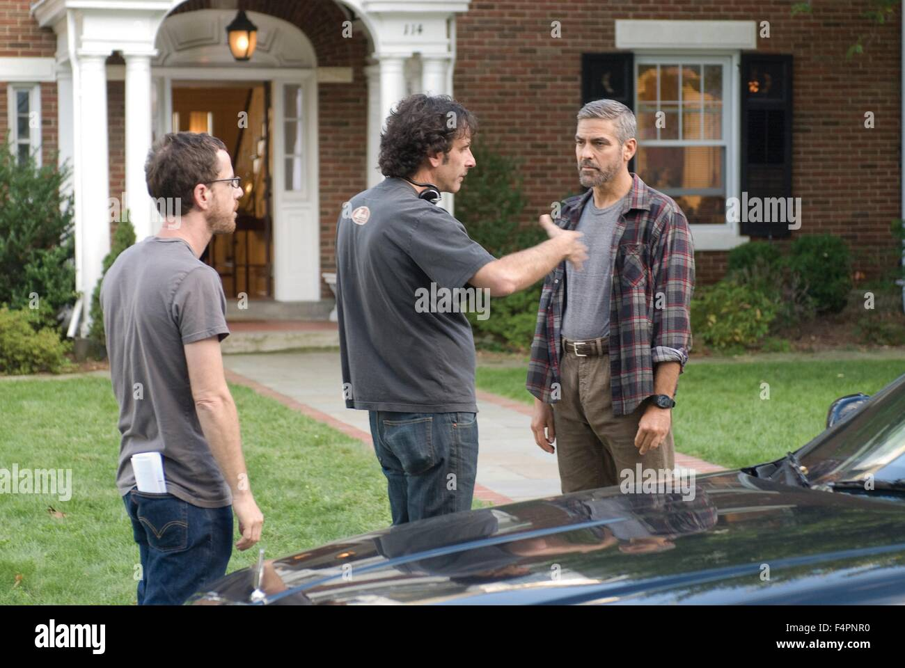 On the set, Ethan and Joel Coen direct George Clooney / Burn After Reading / 2008 directed by Coen Brothers [Macall - Stock Image