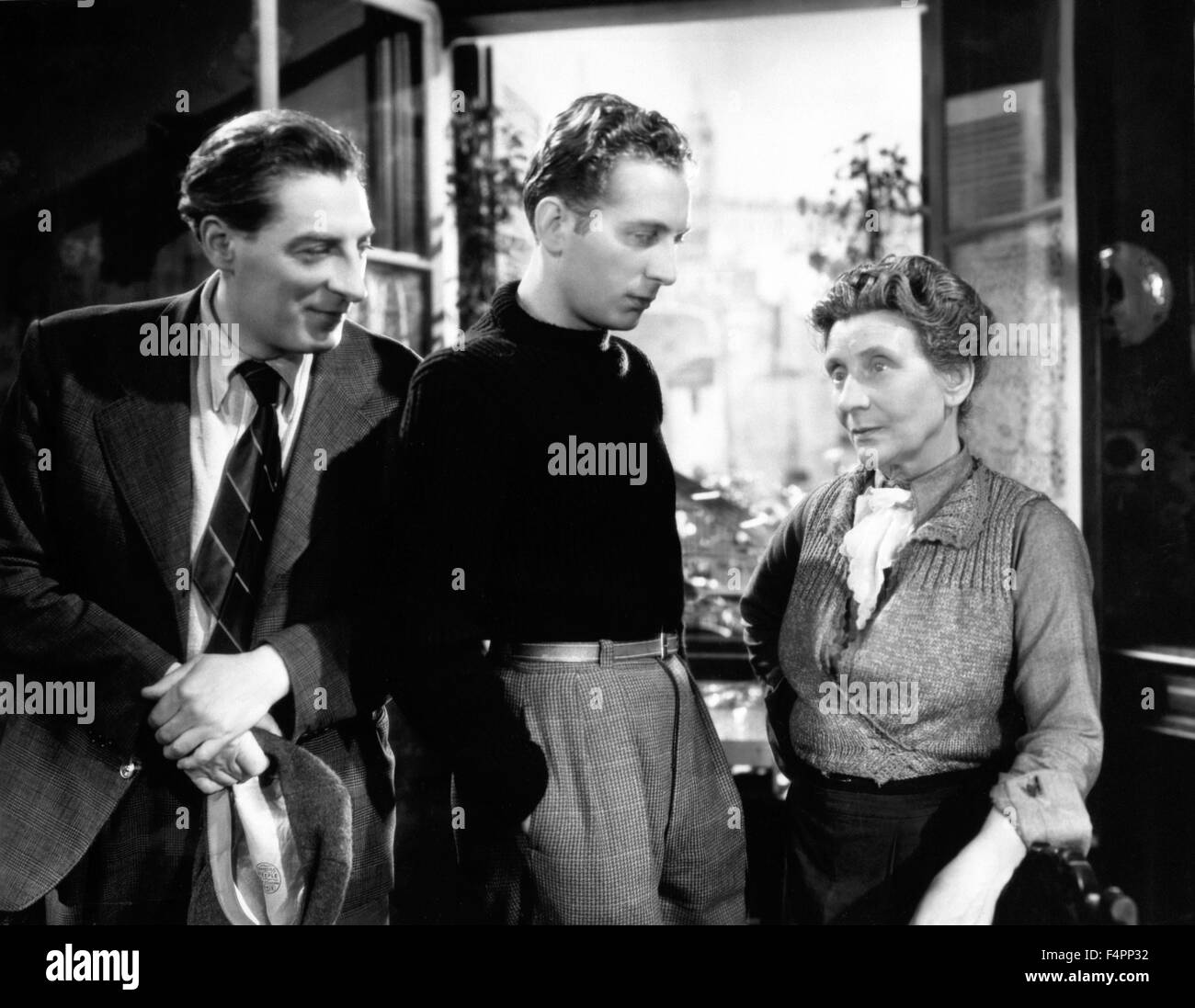 Jean tissier, Charles Trenet and Sylvie / Romance of Paris / 1941 directed  by Jean Boyer