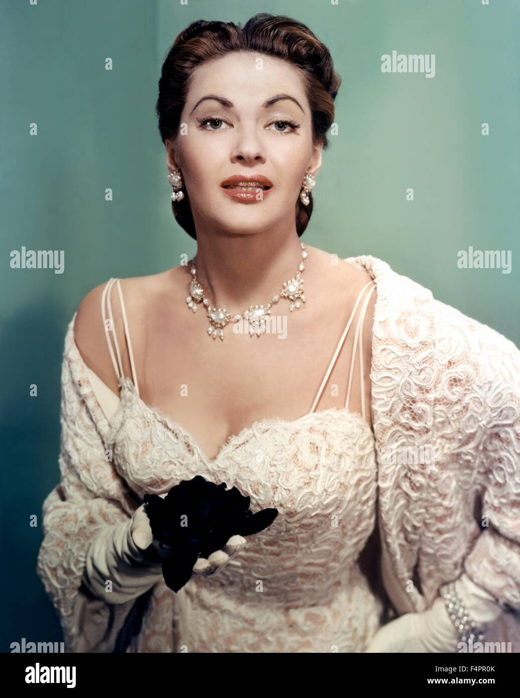 Canadian-born American actress Yvonne De Carlo / 1956 [Paramount Pictures] - Stock Image