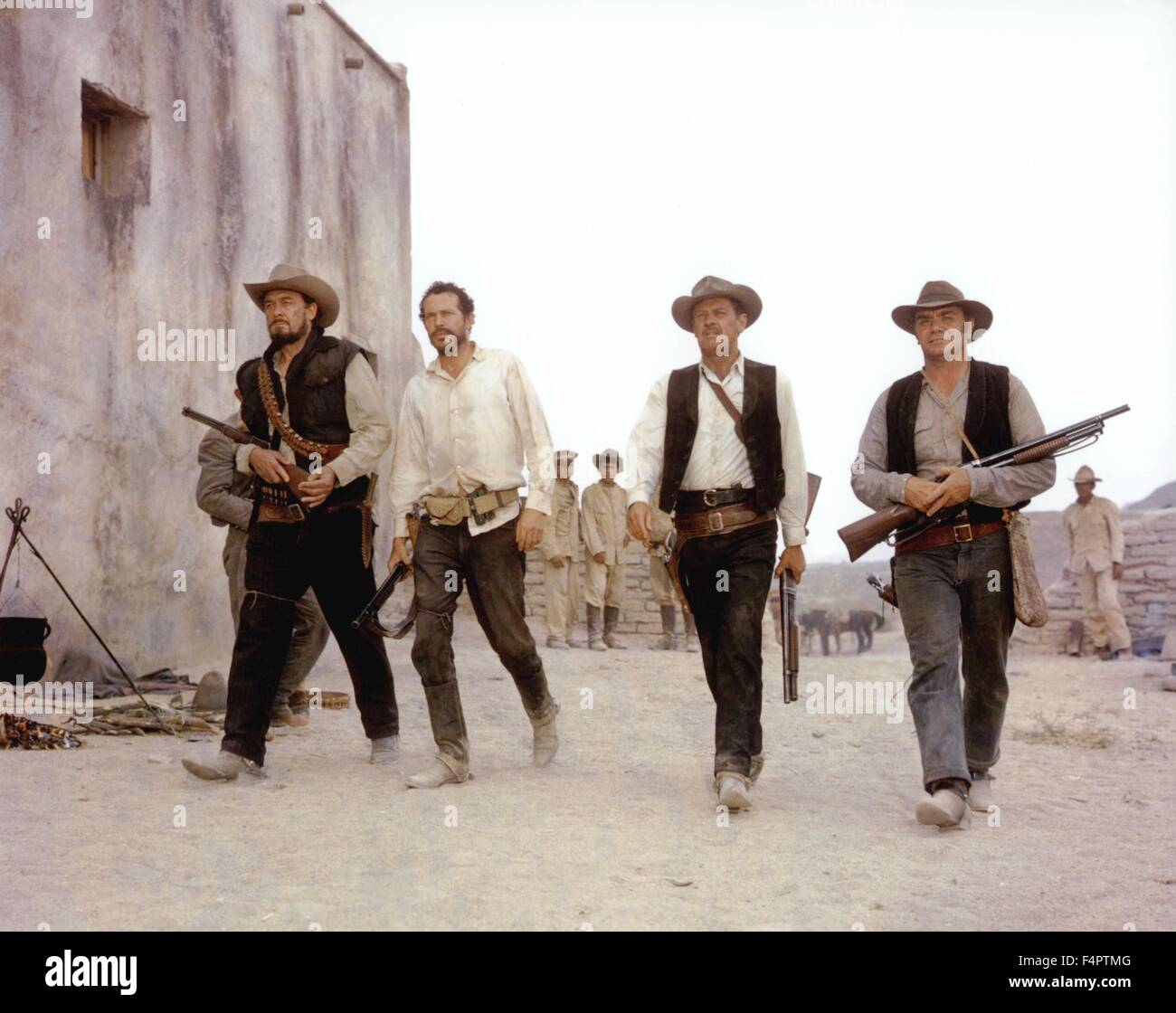 Ben Johnson, Warren Oates, William Holden and Ernest Borgnine / The Wild Bunch / 1969 directed by Sam Peckinpah - Stock Image
