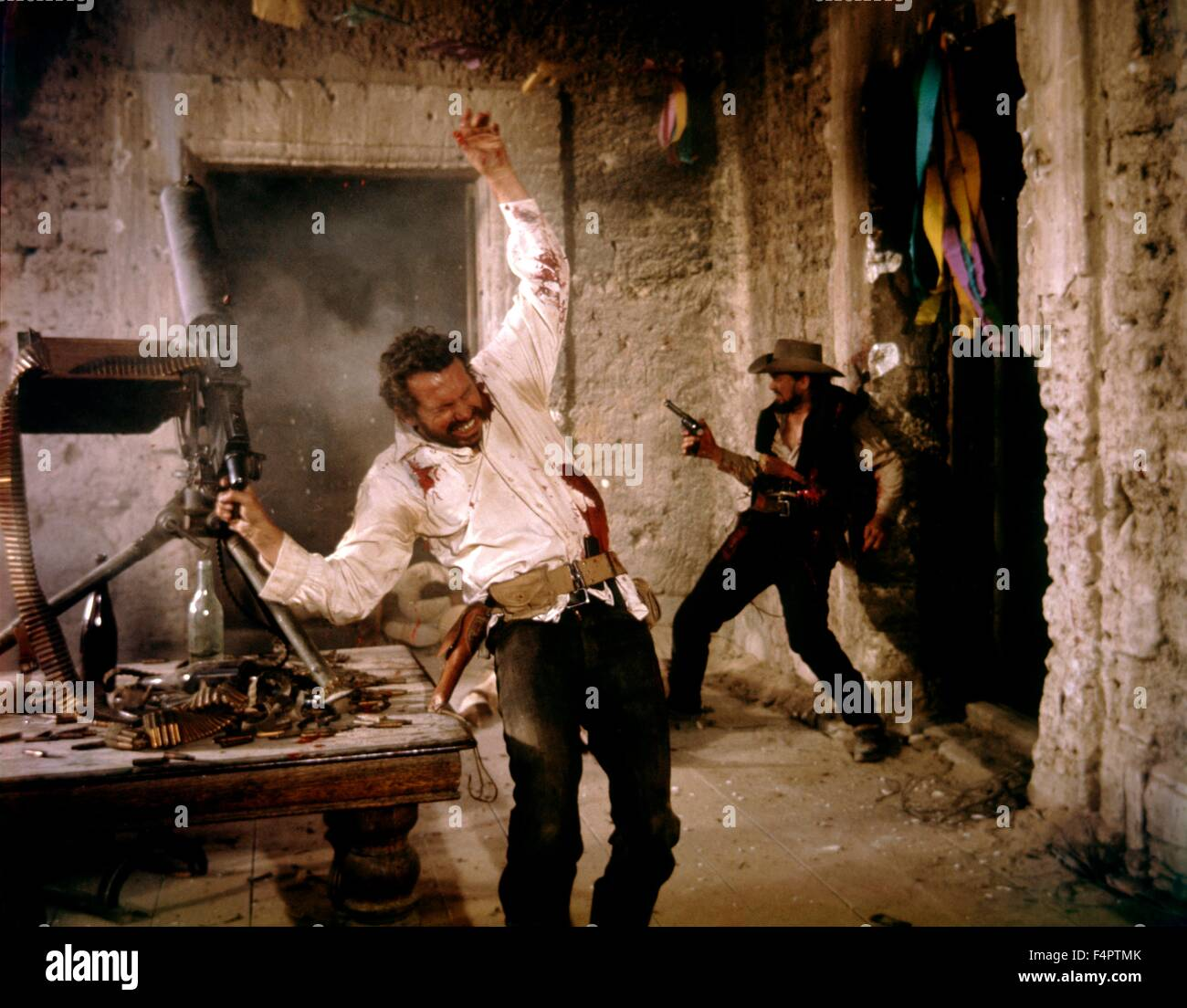 Warren Oates and Ben Johnson / The Wild Bunch / 1969 directed by Sam Peckinpah [Warner Bros. Pictures] - Stock Image