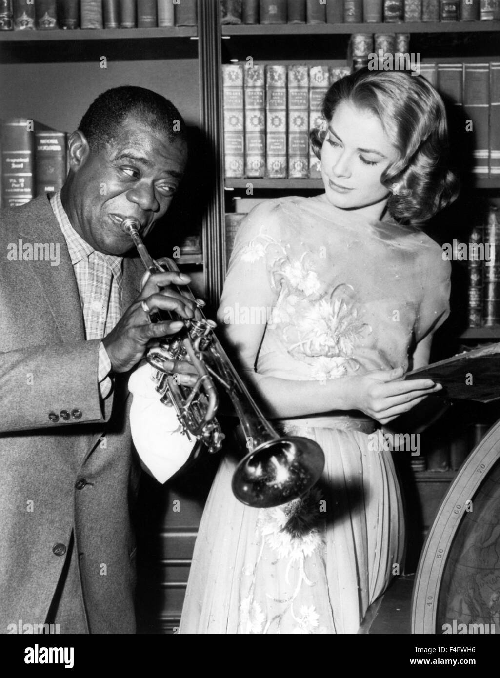 Louis Armstrong and Grace Kelly / High Society / 1956 directed by Charles Walters [Metro-Goldwin-Mayer Pictures] - Stock Image