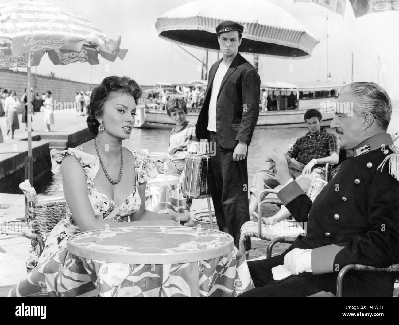 Sophia Loren and Vittorio De Sica / Scandal in Sorrento / 1955 directed by Dino Risi [Titanus / Pathe Consortium] - Stock Image