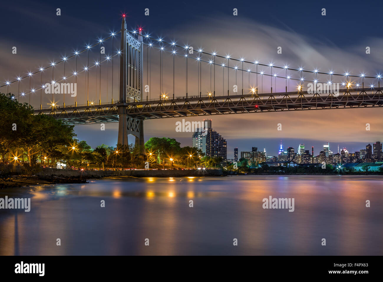 Triboro Bridge by night in Astoria, Queens, New York - Stock Image