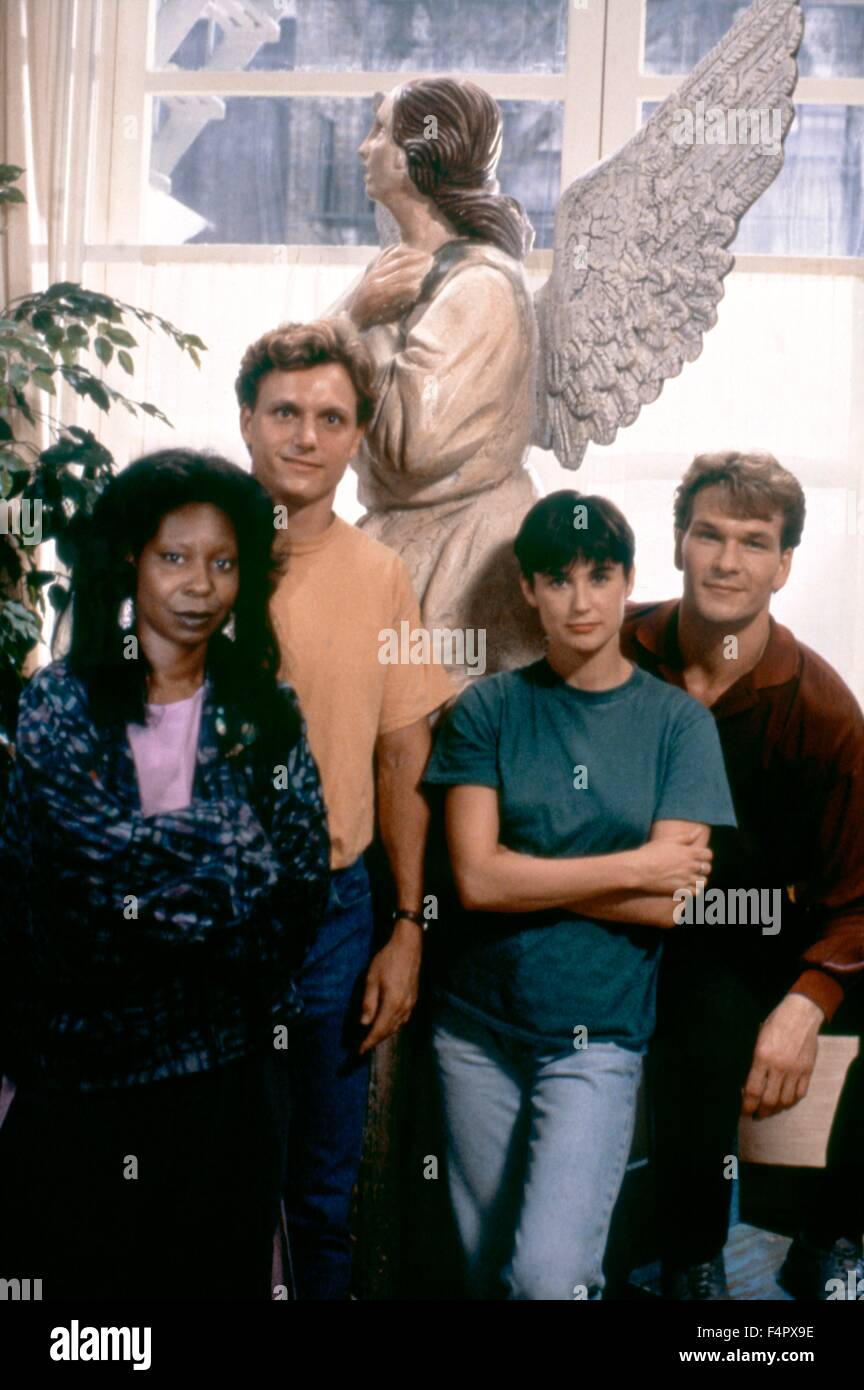 Whoopi Goldberg, Tony Goldwyn, Demi Moore and Patrick Swayze  / Ghost / 1990 / directed by Jerry Zucker / [Paramount - Stock Image