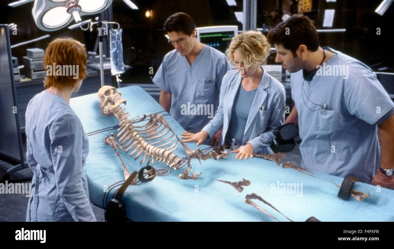 Josh Brolin, Elizabeth Shue and Greg Grunberg  / Hollow Man / 2000 / directed by Paul Verhoeven /  [Columbia Pictures] - Stock Image