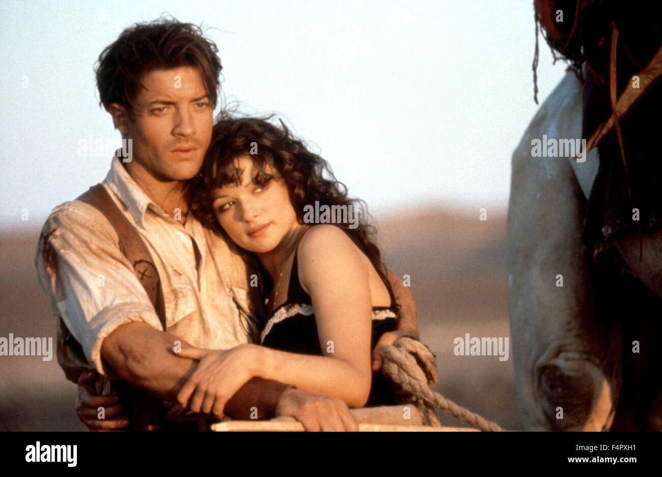 Brendan Fraser and Rachel Weisz / The Mummy / 1999 / directed by Stephen Sommers / [Universal Pictures] - Stock Image