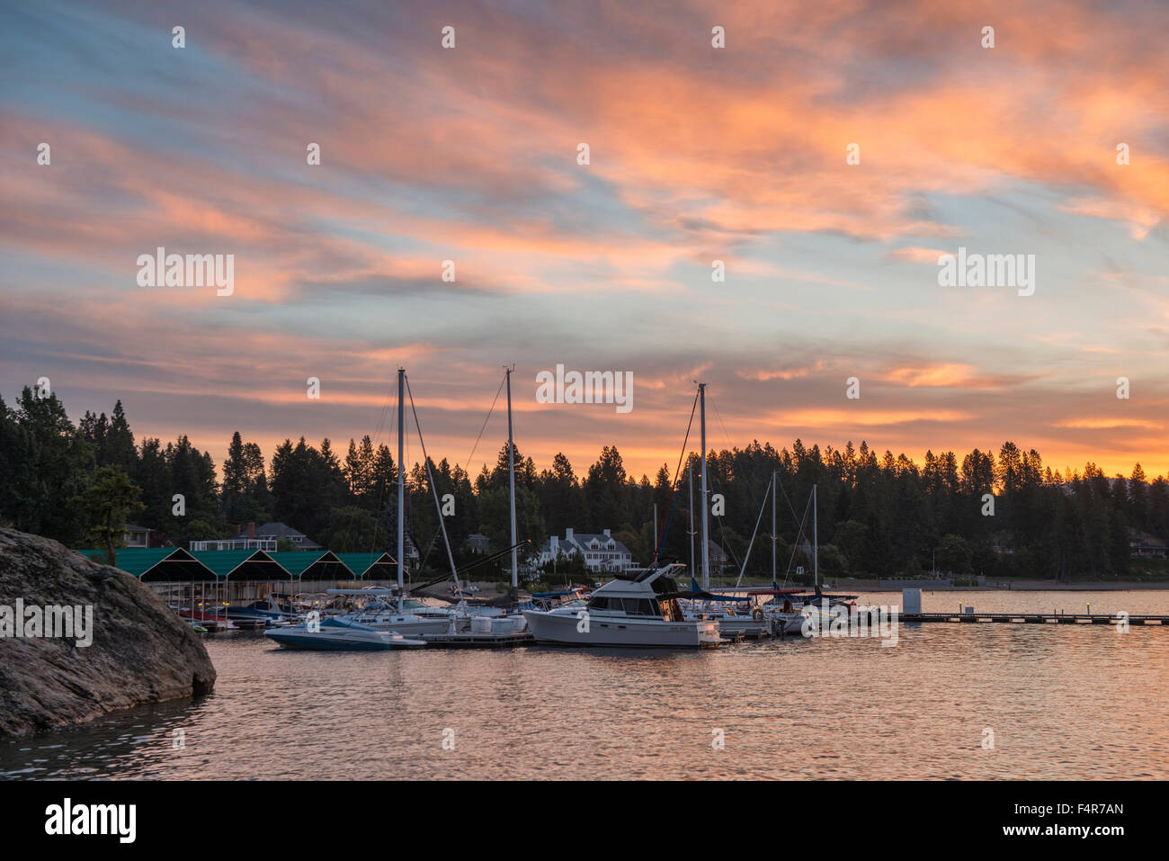 USA, United States, America, Idaho, Coeur d'Alene, shore, Rockies, rocky mountains, yacht, house, harbour, dock, - Stock Image