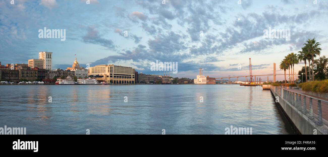 USA, United States, America, Georgia, southern, Savannah, river, panorama, morning, cityscape, city, riverfront - Stock Image
