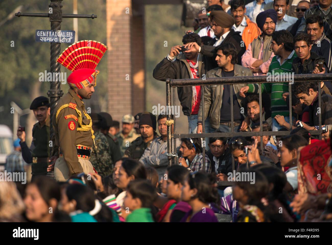 Asia, India, Punjab, Amritsar, Pakistani, border, ceremony, traditional, tradition, Wagah, soldier, crowd, nationalism, - Stock Image